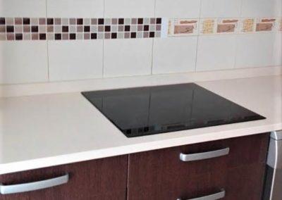 cenefas-cocina-calidad-diseño-resitentes-marrones-adhesivas-sin-obra-decuore-(1)