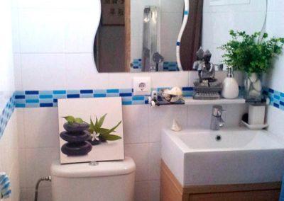 cenefas-para-baño-resistentes-al-agua-sin-obra-adhesivas-colores-azules-decuore--(2)