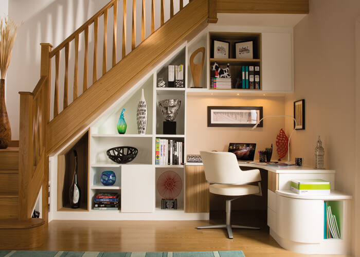 5 grandes ideas para aprovechar el espacio bajo la escalera