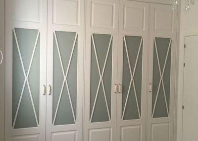 armario blanco vitrina aspa a medida decuore