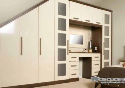armario-con-escritorio-para-dormitorio-abuhardillado