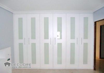 armario empotrado blanco y cristal en granada