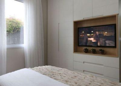 armario para dormitorio con television muebles blanco