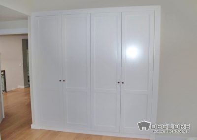 armario puertas blancas en granada a medida