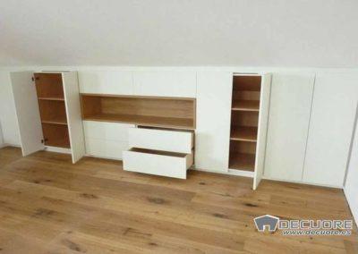 armarios abuhardillados blanco madera granada 4