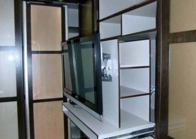 armarios con television dentro decuore