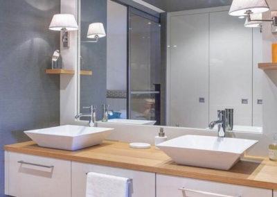 baño con 2 lavabos a medida en granada