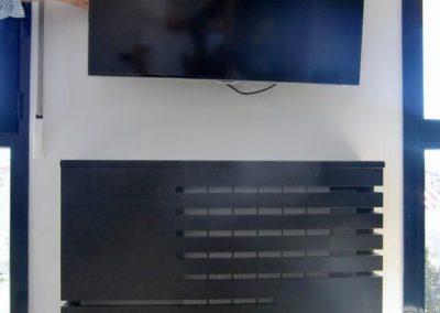 cubreradiador madera moderno salon television 1