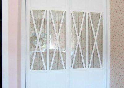 dormitorio para niña con 2 puertas correderas clasicos 1