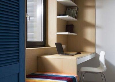 habitacion juvenil con armario y escritorio a medida en granada
