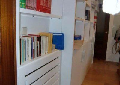 libreria a medida con cubreradiador a medida decuore