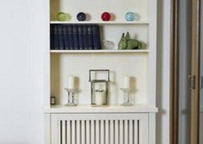 libreria con cubreradiador a medida