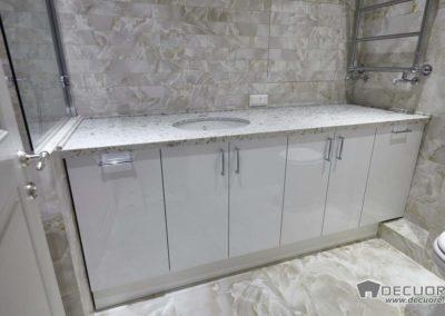 mueble de baño con piedra en granada