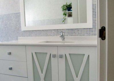 muebles para el baño blanco con cristal granada