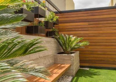 terraza con cesped artificial en granada 1