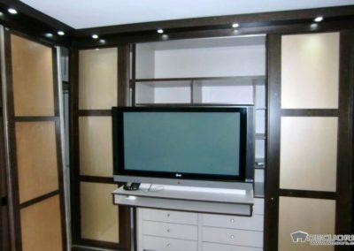 armario dormitorio con television granada