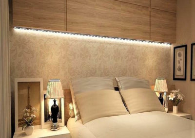 dormitorio con muebles con luces de matrimonio granada