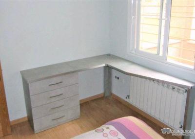 dormitorio matrimonio con mesa de estudio granada