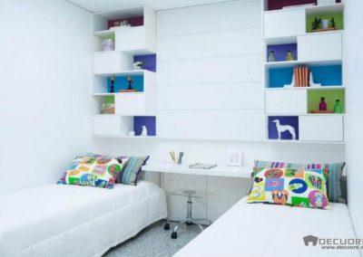 dormitorios con estanterias a medida en granada