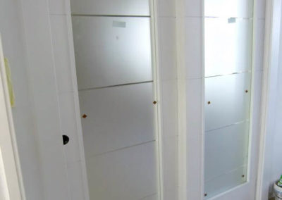 puertas en granada correderas con cristales