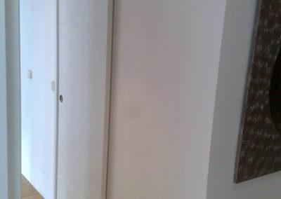 puertas en granada de interior correderas blancas