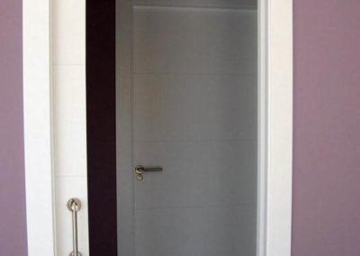 puertas en granada lacadas correderas
