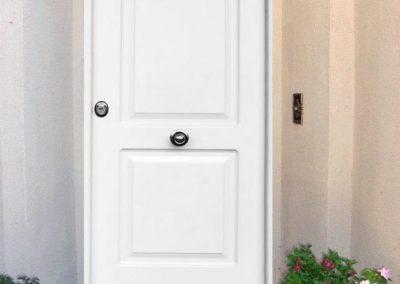 puertas metalicas en granada blancas 1