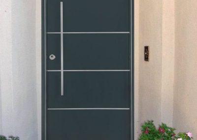 puertas metalicas en granada gris