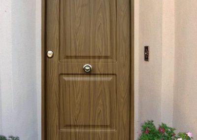 puertas metalicas en granada instaladas