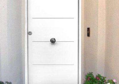 puertas metalicas en granada modernas