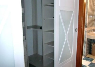 vestidores abiertos con puertas decuore