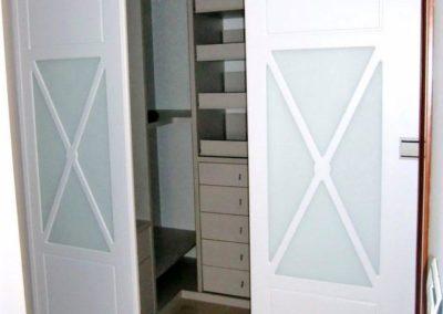 vestidores abiertos con puertas granada 3