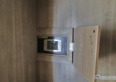 vestidores con caja fuerte en granada 1