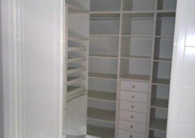 vestidores con puertas blancos decuore