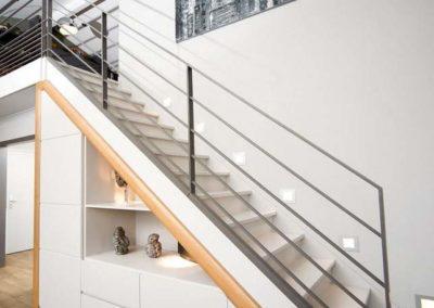 armarios en escaleras empotrados a medida decuore